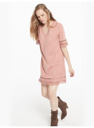 Twist Beyaz İş Şeritli V Yaka Süet Form Elbise Pembe